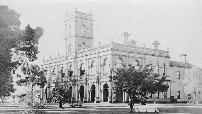 Glen Eira Manor — Caulfield Hospital main building c 1919. Image courtesy State Library of Victoria.